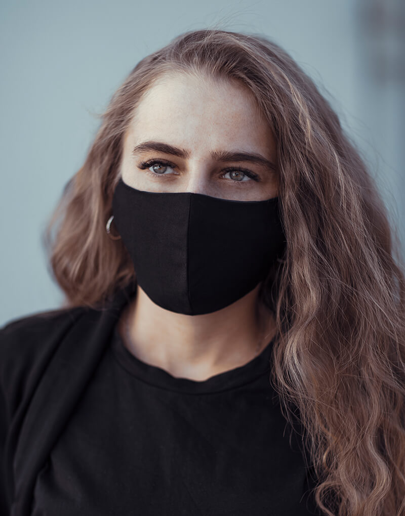 frau maske